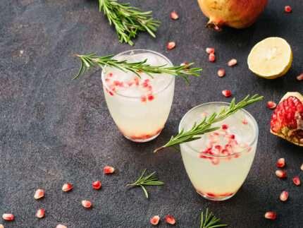 cocktail sambuco e melagrana