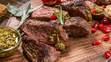 carne con pesto e melagrana