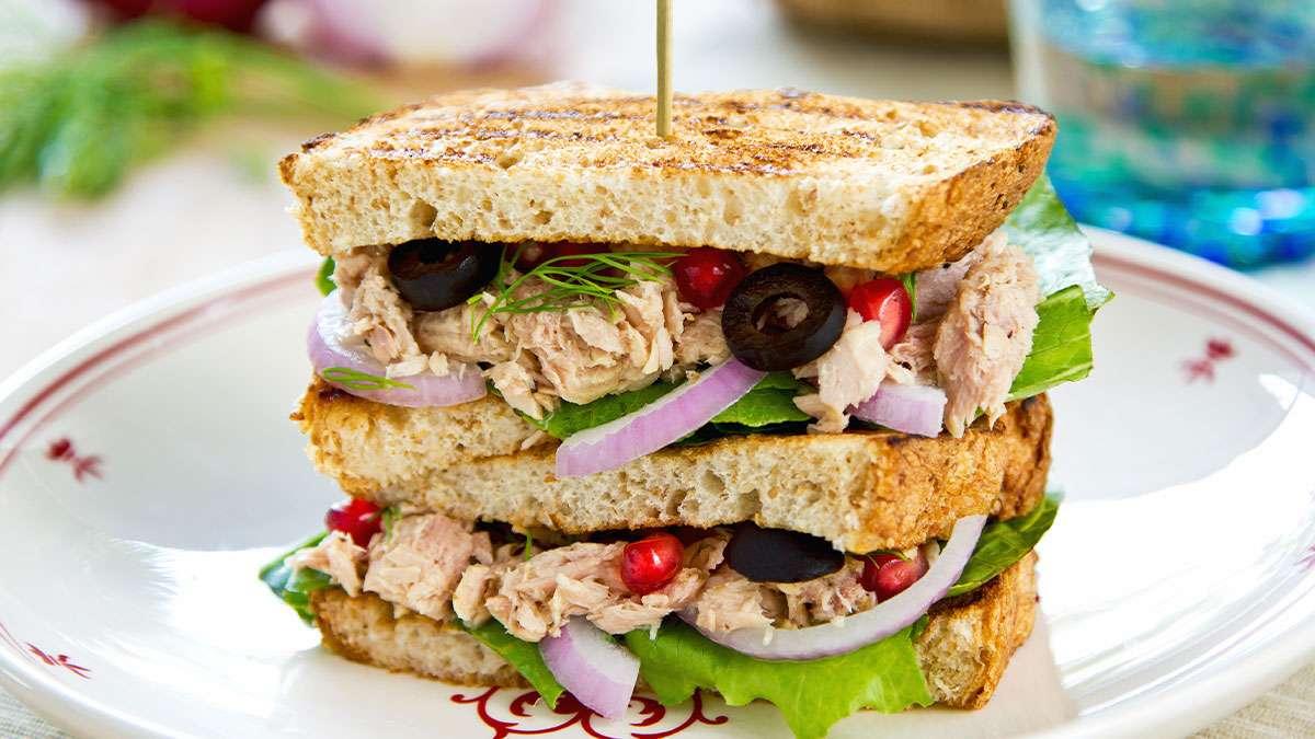 sandwich tonno e melagrana